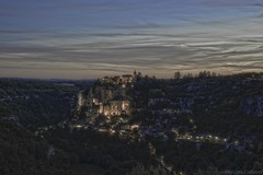 Rocamadour Twilight. (Philippe Cabaret) Tags: philippecabaret d800 nikonlens nikonbody nikon24120f4 hdr night nightshot nightfall nightcolours longexposure pauseslongues aperture prioritouverture tonemapping rocamadour lot 46 nationalgeographicgroup bracketing prisedevueenfourchette midipyrenees