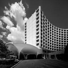 Washington Hilton (Chimay Bleue) Tags: washington hilton william b tablet architecture dome entry pergola arch crescent brutalist brutalism black white dc