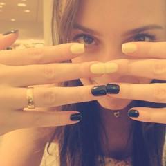 Nail #3 (KkarinaA) Tags: nail preto amarelo ah 31 risque unha esmalte desafio