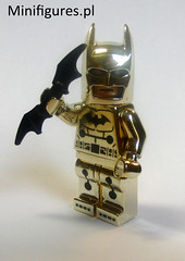 Electricity Batman suit! (minifigures.pl) Tags: lego legobatman goldchrome legosuperhero legochrome batmnachrome