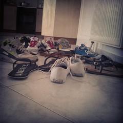 Χάος παπουτσιών.