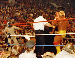 1986-12-28 - wwf wrestling-mlg-sds 16a-hulk hogan hits the wizard with a chair-crop (Scott-Simpson) Tags: wrestling oldschool mapleleafgardens 1986 wwf mlg