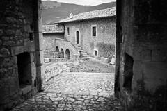 (BrunellaFratini) Tags: bw antico romantico paesaggio abruzzo santostefanodisessanio caratteristico canon5dmarkii