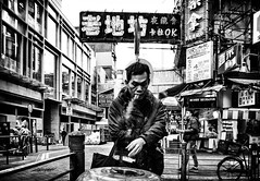 (Kunotoro) Tags: china street city urban bw black streets monochrome hongkong blackwhite asia central chinese streetphotography streetlife soe stphotographia streetpassionaward blackwhitepassionaward flickrtravelaward