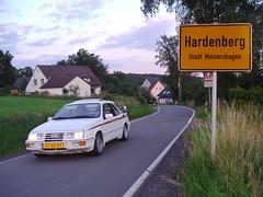 Ford Sierra XR4i Turbo, Hardenberg, Deutschland, 19-7-2016. (backto78) Tags: car auto wagen vehicle sierra hardenberg deutschland duitsland meinerzhagen weiss white wit xr4i xr4ti xr4 merkur road trip voertuig selten rare recaro blaupunkt rallye ralley rally youngtimer meeting fsc fabrik germany 28 mfi v6 keulen köln cologne turnier ford fss scene carrera kante spoiler wing böttger aufsatzspoiler taifun rial trim line turbo technics