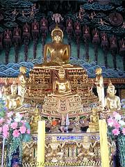 Inside Wat Bang Hua Suea, Moo 8, Phra Pradaeng, Samut Prakan Province, Thailand. (samurai2565) Tags: watbanghuasuea moo8 banbanghuasuea tambonbanghuasuea amphoephrapradaeng samutprakan samutprakanprovince thailand templesinsamutprakan