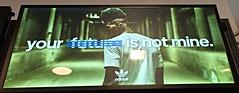Foot Locker, Union Square. (Elias Rovielo) Tags: adidas footlocker mensagem quote unionsquare nyc sneakers