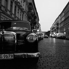des routes (pierre-vdm) Tags: berlin mercedesbenz kreuzberg schwarz noir black street rue strasse strase exploremyass