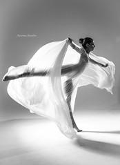 Ainhoa between sheets. (Arantxa Aesebe) Tags: balletdancer studio light flexible bodylanguaje amazing dance sheets colors