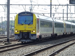 NMBS/SNCB 4149 @ Brugge (Sim0nTrains Photos) Tags: nmbssncb nmbs sncb class41 dmu dieselmultipleunit bruggerailwaystation bruggestation alstom belgiannationalrailways 4149