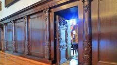 Door to secrets   [L1170170b] (SeppoU) Tags: saksa deutschland germany bremen raatihuone cityhall rathaus ovi door leica dlux4