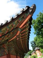 Obtuse corner (Julio Martinez) Tags: roof corner palace korea seoul gyeongbokgung obtuse 경복궁 ceillings
