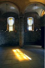 Nel nome del padre (meghimeg) Tags: light window lamp chiesa column vernazza luce 2012 colonna lampadari churchfinestra