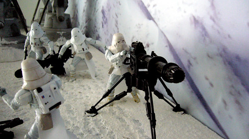 "Battle of Hoth diorama - imperial troops with tri-pod gun from front • <a style=""font-size:0.8em;"" href=""http://www.flickr.com/photos/86825788@N06/7949258188/"" target=""_blank"">View on Flickr</a>"