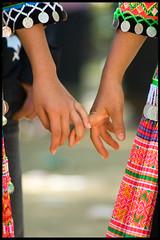 Grils holding hands (Torka&Bentley) Tags: costume newyear portret hmong klederdracht