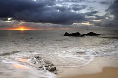 Lever de soleil sur la plage de la Grande Conche ~ le d'Yeu [ Vende ~ France ] (emvri85) Tags: sun seascape rock sunrise island soleil sand sable wave vague rocher leverdesoleil le iledyeu dyeu lesconches leefilters pointedescorbeaux lescorbeaux lagrandeconche