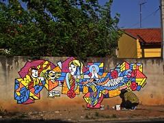 Tatui-SP dia com tinta e muitas amoras (decolife) Tags: cores graffiti sp tatui decolife dekspsk decolife1 wwwdecolifecombr