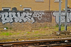 BAKE (KETCHUP DTA) Tags: london graffiti track side graff bake trackside flos seko ldn teko