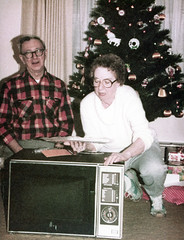 19791225_1970sMisc_13.jpg (Adam Pratt) Tags: christmas us ky microwave paducah tedkight virginiakight