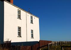 Rocky Island houses (DavidWF2009) Tags: houses sea sun northumberland seatonsluice