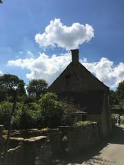 Choo choo! (Liz McGlenn) Tags: cottage choochoo chimney clouds blueskies england bibury cotswolds