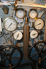 Steering and depth Controls on Finnish WW2 submarine Vesikko (David Russell UK) Tags: control controls submarine sub boat ship vessel vehicle navy naval military finland finnish ww2 world war two uboat suomeninna sea fortress helsinki preserved museum