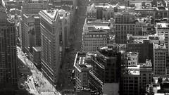 Flat iron (pi3rreo) Tags: noiretblanc black building city coolpix white urban urbain flatiron extérieur ville architecture