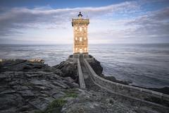 faro Kermovan (MoSe75) Tags: bretagna francia xt1 landscape seascape sea natura paesaggio oceano faro lighthouse colors