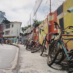 (Sovay83) Tags: bronicasqa fujifilmpro400h expiredfilm film 120mm 6x6 mediumformat riodejaneiro brazil favela