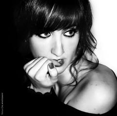Eva (NROmil) Tags: portrait woman white black blanco eyes flickr retrato negro bn sensual sueños ojos mirada belleza dulce realidad