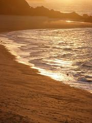 Le soleil de la Guimorais .... (Daniel.35690) Tags: voyage mer lumix soleil lumière or bretagne panasonic reflet promenade nuages plage plaisir rocher ballade dmc brume coucherdesoleil 2012 regard spectacle ecume pêche réflection guimorais pointedumeinga illevilaine fz45