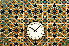 A timepiece on a patterned wall (Itchyklikfinger) Tags: 2005 clock architecture canon pattern canon300d tiles malaysia kualalumpur islamic sigma70300apomacroii