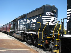 Norfolk Southern #3052, a GP40-2 (bluerim) Tags: alabama birminghamal gp402 operationlifesaver norfolksouthernrailroad 21stcenturysteam