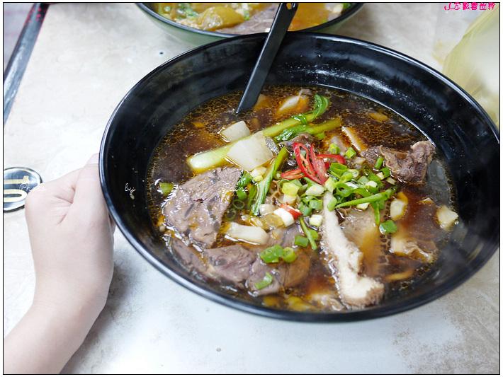 中壢中原老師傅牛肉麵 (5).JPG