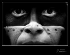 Máscara de ojos (Argayu) Tags: portrait retrato ojos oviedo máscara azteca uvieu diadeamericaenasturias seleccionar d5000 diadeamericaenasturies