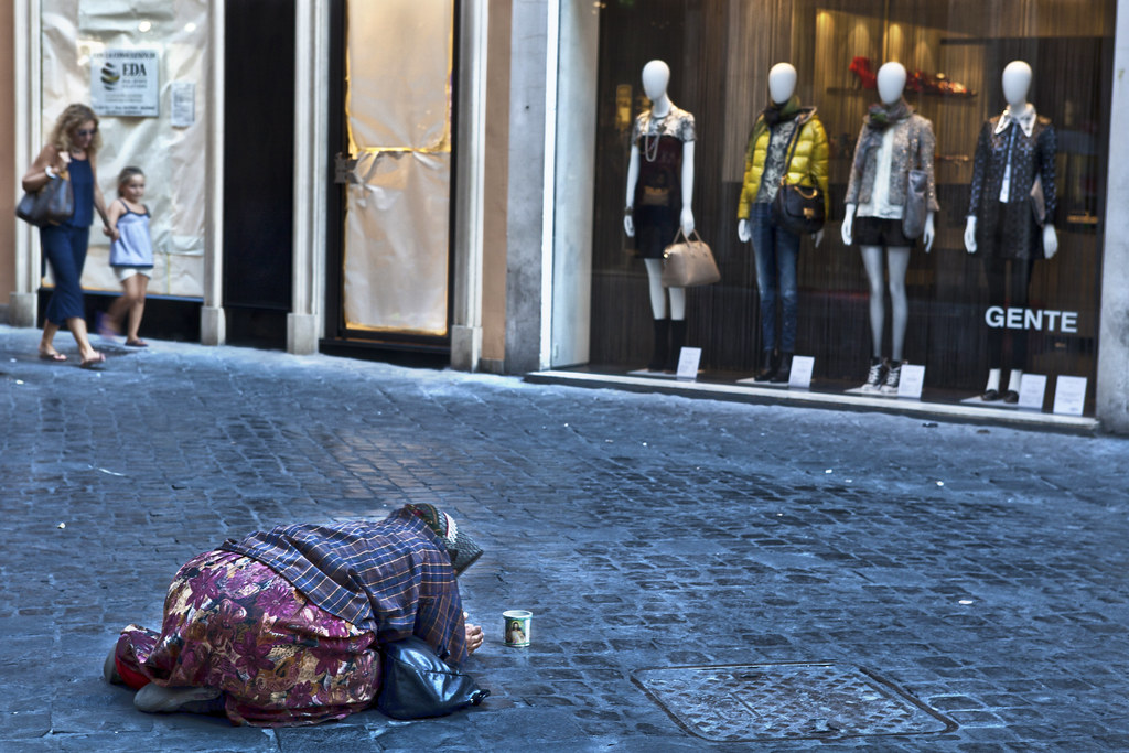 The World's Best Photos of begging and roma - Flickr Hive Mind