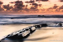 Barrika (Iskander Barrena) Tags: ocean sunset beach atardecer photography mar capa playa otoo bizkaia oceano hondartza itsasoa barrika flysch