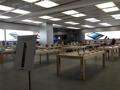 Apple Store, Festival Walk (MikeLau_) Tags: hk apple hongkong applestore 香港 festivalwalk 蘋果 appleretailstore 九龍塘 又一城 蘋果官方零售店