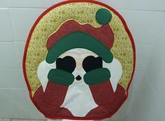 P1020176 (Monne Arts) Tags: natal de bonito artesanato capa noel lindo festa decorao jogo banheiro mamae papai tecido colorido algodo enfeite proteo festivo natalino