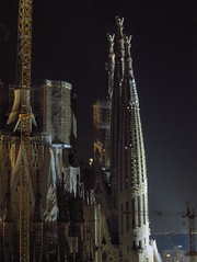 The Towers in the Evening (HDR) (wawrus) Tags: world barcelona heritage church familia temple evening site spain construction scaffolding catholic roman basilica towers catalonia unesco cranes gaudi sagrada hdr expiatory shrouds fdrtools atoni