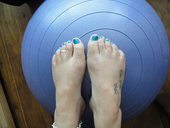 Aerobic barefeet part 2 (basang2012) Tags: feet tattoo female foot toes bare nails ankle toering