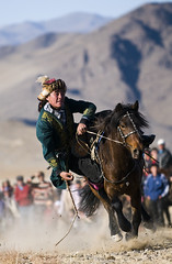 MONGOLIA (BoazImages) Tags: life horse color colour sports sport horizontal asian asia action traditional culture documentary competition tradition oriental orient spectators centralasia kazakhstan kazakh stallion steppe gallop dexterity galloping midadult bayanolgii  ulgi boazimages qazaqstan    tengealu