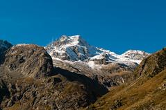 Le pic de Labas (PhotoSophil) Tags: mountain france nature montagne place lightroom cauterets midipyrnes lacdestom pentaxk20d