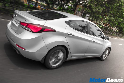 Hyundai-Elantra-Facelift-Long-Term-04