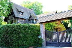 Louviers - Villa de Pierre Mends-France (Philippe Aubry) Tags: normandie eure valledeleure louviers villa colombages pierremendsfrance