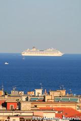 """""""Prospettiva"""" (Massimo Minervini) Tags: costacrociere nave boat liguria marligure alassio mare città city canon400d estate summer"""