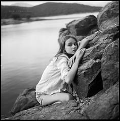 Yana (byfer / Fernando Ocaa) Tags: hasselblad 500cm 80mm planar ilford film 6x6 mediumformat bw square portrait model retrato delta100