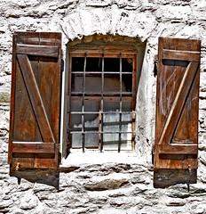 Valle d'Aoste (laurent KB) Tags: valledaoste italy italie fentre volet