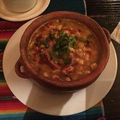"""Humahuaca: un locro, une spécialité argentine qui consiste en une soupe de haricots, de maïs blanc, de viande de porc et d'une rondelle de chorizo. Pas terrible... <a style=""""margin-left:10px; font-size:0.8em;"""" href=""""http://www.flickr.com/photos/127723101@N04/29068992281/"""" target=""""_blank"""">@flickr</a>"""