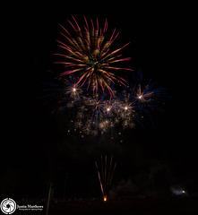 Beaudesert Show 2016 - Friday Night Fireworks-46.jpg (aussiecattlekid) Tags: skylighterfireworks skylighterfireworx beaudesert aerialshell cometcake cometshell oneshot multishot multishotcake pyro pyrotechnics fireworks bangboomcrackle